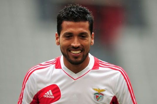 David Moyes Poised to Sign Garay as He Finally Takes Man United Reins