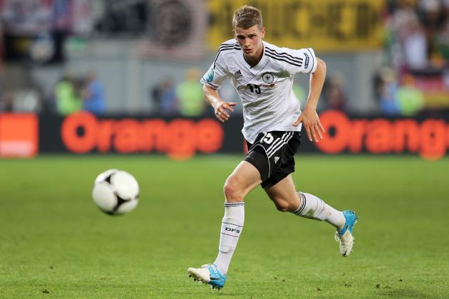 Arsenal Transfer Rumours: Latest on Lars Bender, Gonzalo Higuain and More