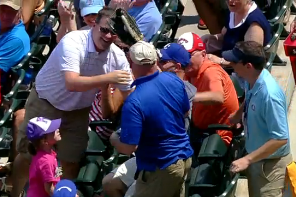 Royals Fan Makes Incredible Grab on Foul Ball