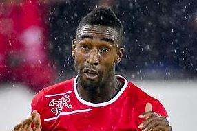 Hamburg Acquires Johan Djourou on Loan from Arsenal
