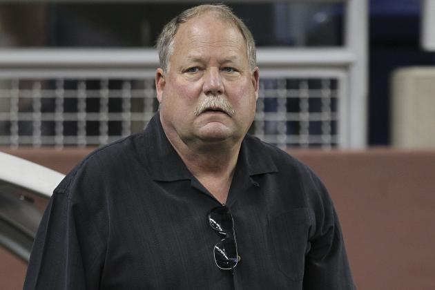 "Mike Holmgren Believes Mark Sanchez Will Have ""Fine Year"" for Jets"