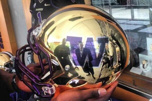Gold Washington Football Helmets Leak on Twitter
