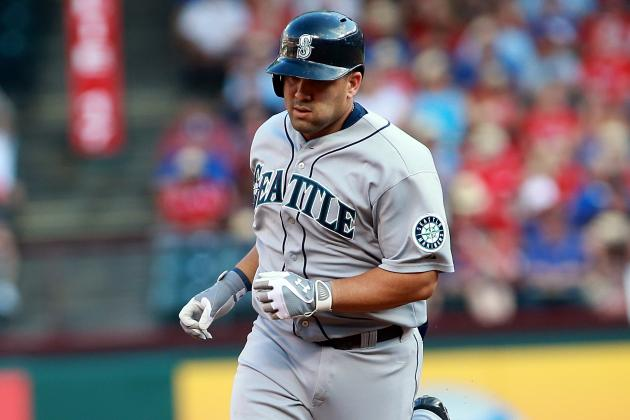 Morales Hits 2 HRs as Mariners Rout Rangers