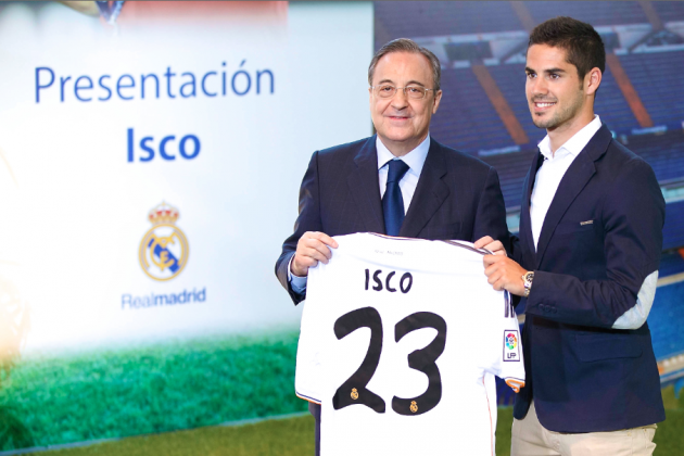 Real Madrid Present New Midfielder Isco to Fans (Video)