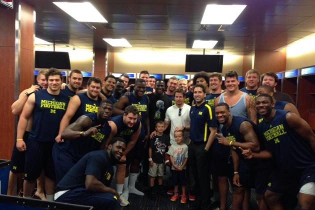 Mark Wahlberg Visits Michigan Football Team, Catches TD Pass from Devin Gardner