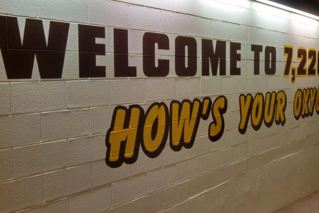 "Photo: Wyoming Basketball Puts Up ""How's Your Oxygen"""