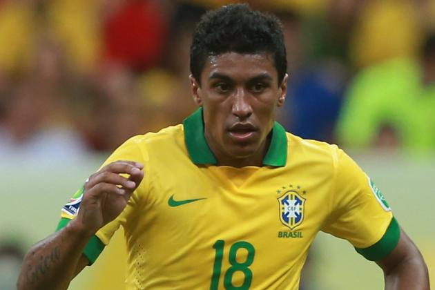 Paulinho Undergoing Medical at Tottenham