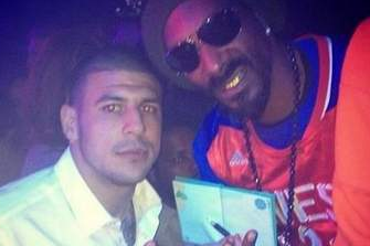 Snoop Dogg Supporting Hernandez