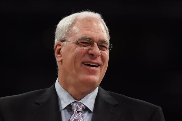 Phil Jackson Remains Loyal to Lakers with Subtle Jab at Dwight Howard on Twitter