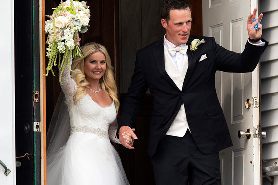 Elisha Cuthbert and Maple Leafs' Dion Phaneuf Just Had the Cutest Little Wedding
