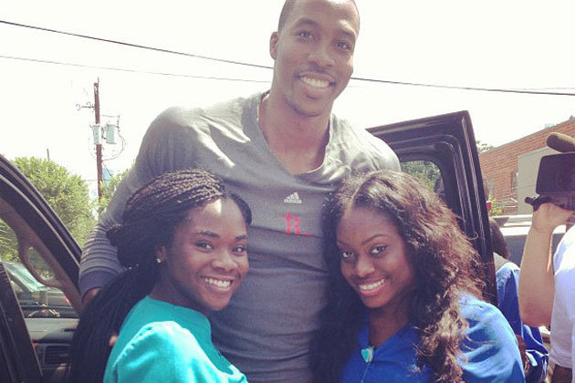 Dwight Howard, NBA Star and All-Around Nice Guy, Buys Houston Fans Lunch