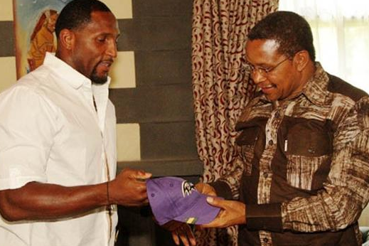 Ray Lewis Passes on Ravens Cap, Goodwill to President of Tanzania