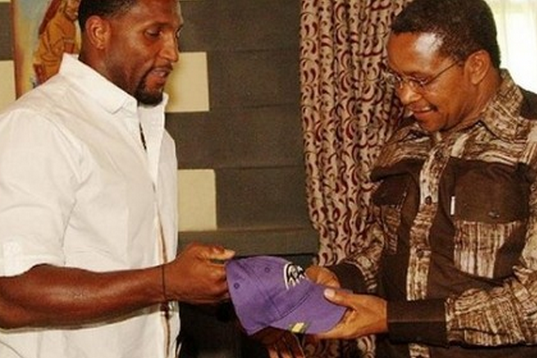Photo: Ray Lewis Presents a Ravens Hat to Tanzanian President