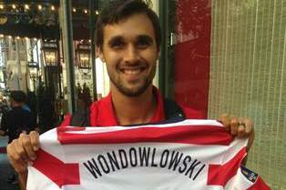 DREW CAREY BUYS MISSPELLED JERSEY off WONDOLOWSKI