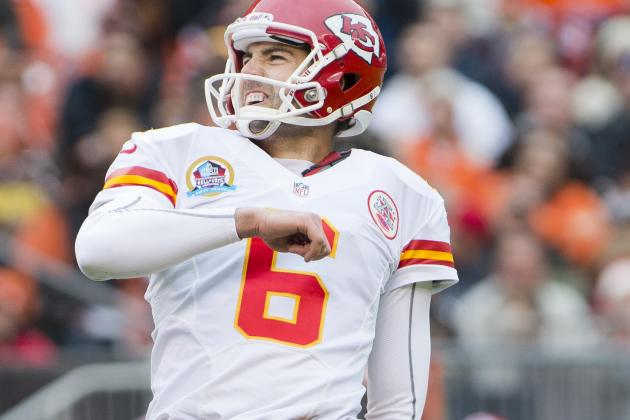 Chiefs Kicker Back in Gamecock Country for Offseason