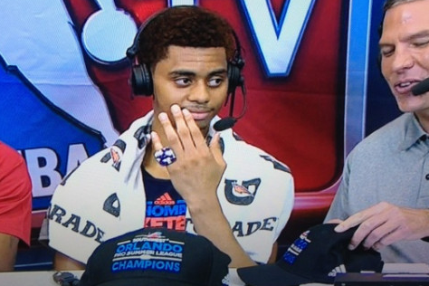 Image: Lamb Shows off Summer League Championship Ring