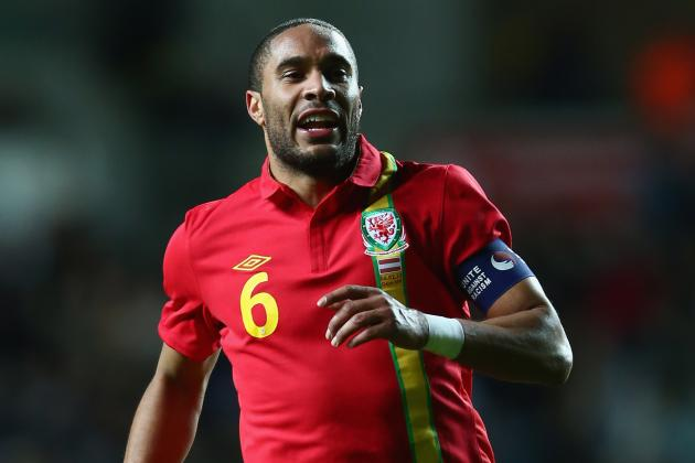 Arsenal Transfer Rumours: Latest on Ashley Williams, Gonzalo Higuain and More