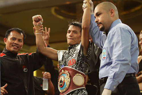 Sabillo vs. Estrada: Merlito Sabillo Defeats Jorle Estrada Via 9th-Round KO