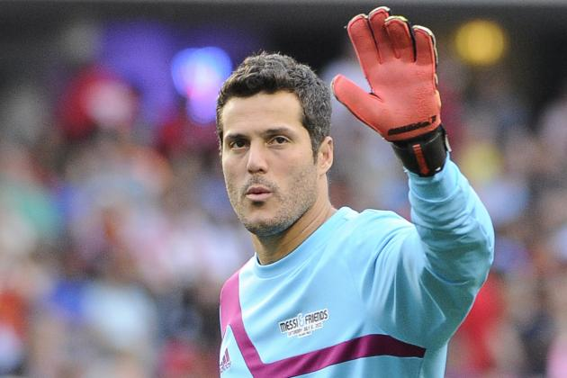 QPR Goalkeeper Julio Cesar Looks Set to Be Loaned out to Napoli