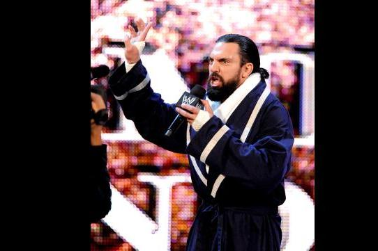 Damien Sandow Wins World Heavyweight Championship Money in the Bank