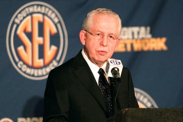 SEC Media Days 2013: Mike Slive Calls for Player Stipends, Changes in NCAA