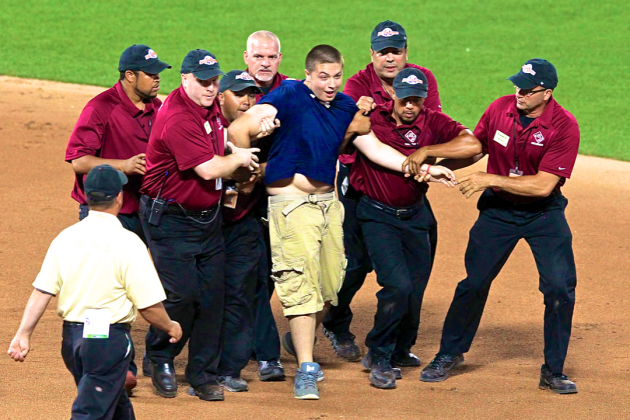 Fan Runs on Field at 2013 MLB All-Star Game, Plans Everything on Twitter