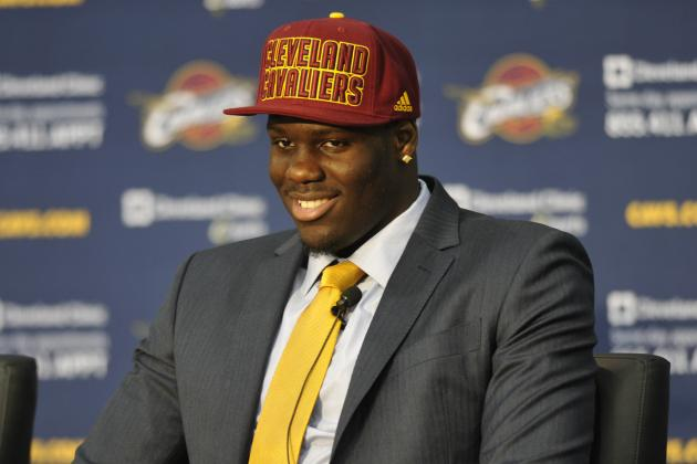 Mike Brown: Anthony Bennett Is 'Strictly a 4,' for Now