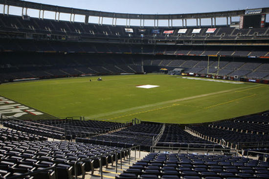 Chargers Fans Invited to Scope out Season Seats