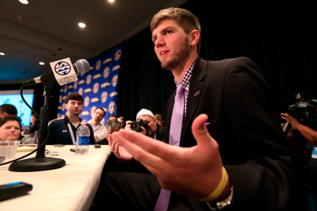 Zach Mettenberger Rips Tebow, Says Clowney Almost Made Him Poop His Pants