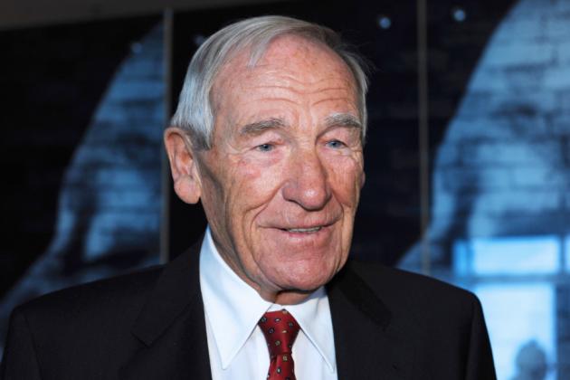 Legendary Goalkeeper Bernhard 'Bert' Trautmann Passes Away at Age 89