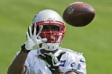 Pats Release WR Donald Jones; Sign Rookie WRs Perez Ashford and Quentin Sims
