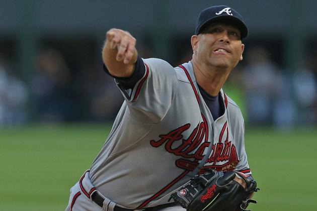 Braves Homer Twice, Hold on for 6-4 Win over the White Sox