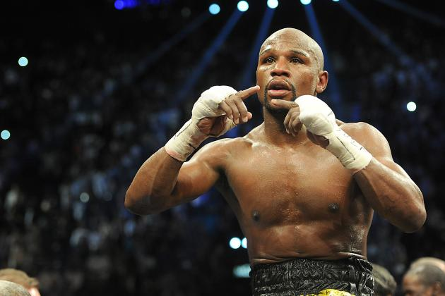Joe Rogan: 'Floyd Mayweather Would Get Killed by an Average College Wrestler'