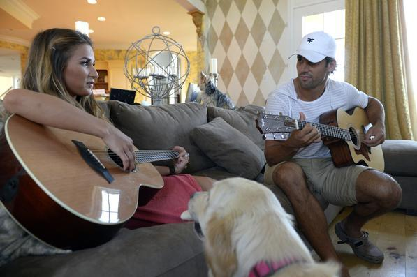 Life of Eric Decker and Jessie James Chronicled by E! Network