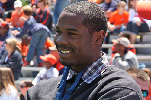 Auburn Football: No. 1 JUCO Player D'haquille Williams Commits to the Tigers