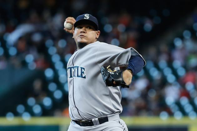 Mariners Complete Sweep of Astros with Rout