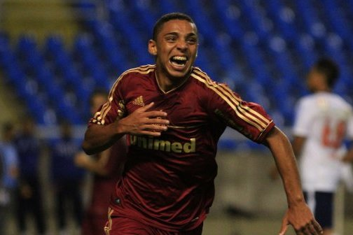 Chelsea Talk to Inter over Loaning Brazilian Starlet Wallace