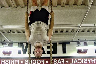 Stanford Football: Trent Murphy Upside-Down Training (PHOTO)