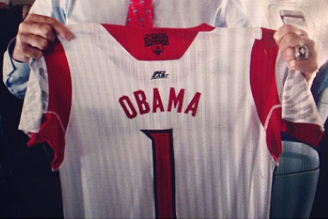 Photo: Rick Pitino Gives Custom Louisville Jersey to President Obama