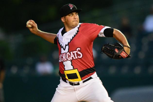 Minor League Baseball Team Wears Santa Uniforms for 'Christmas in July' Game