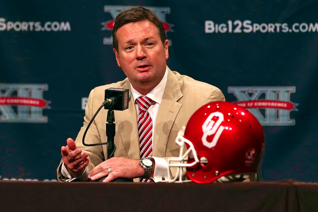 Bob Stoops Talks Oklahoma QB Battle, Mary Kay and More at 2013 Big 12 Media Days