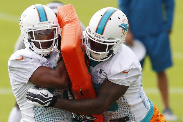 Dolphins Tuesday Practice: In Pads for First Time