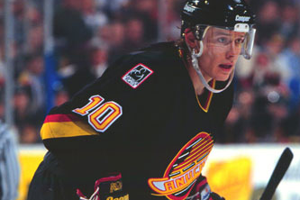 Canucks to Retire Bure's No. 10 Next Season