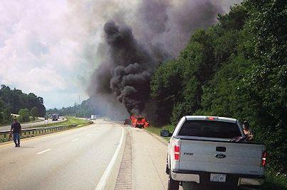 Tennessee Titans LB Jonathan Willard Saves Family from Burning Car