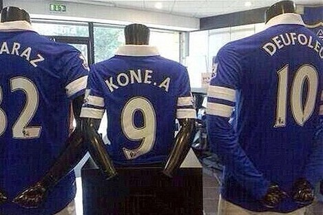 Everton Misspells Name of New Signing in Kit Reveal