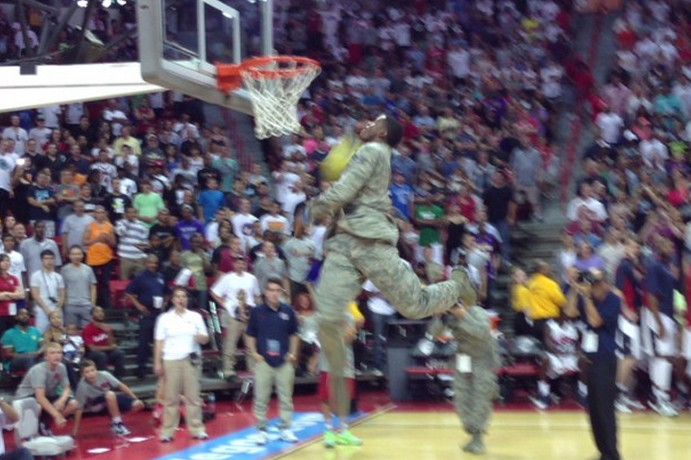 US Air Force Member Throws Down Windmill Dunk at USA Showcase