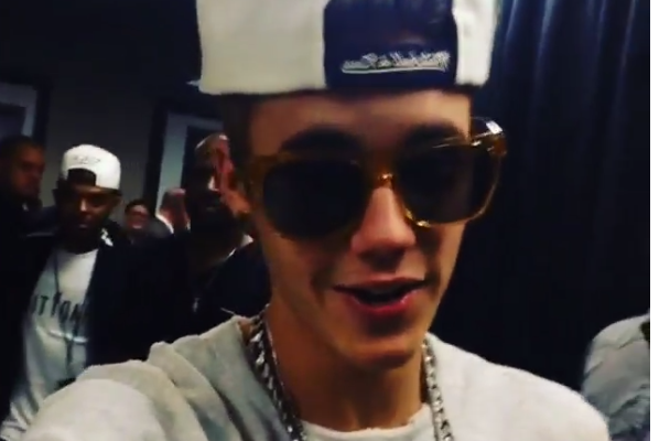 Video: Leafs Present Bieber with Signed Hockey Stick