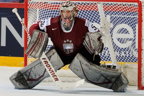 Report: Lightning Sign Goaltender Gudlevskis