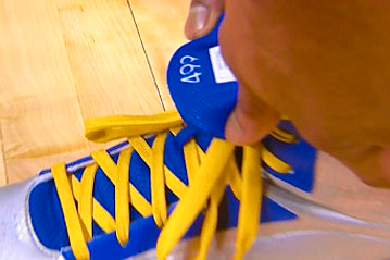 Bazemore Has ESPN Player Ranking Sewn into Sneakers