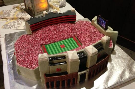 Photo: This Nebraska Fan's Groom's Cake of Memorial Stadium Is Awesome